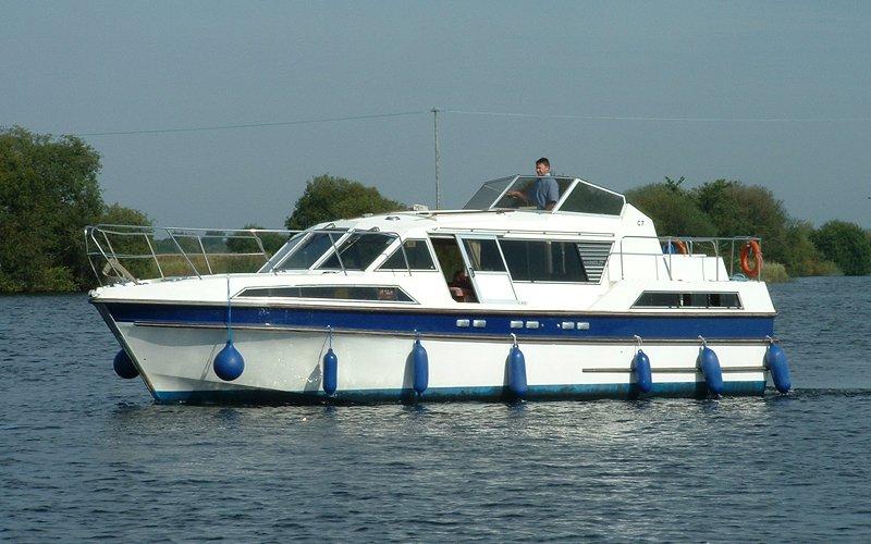 Clare Klasse Hausboot - Bootsferien Irland