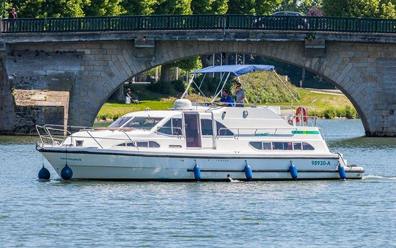 Longford Klasse Hausboot - Bootsferien Irland